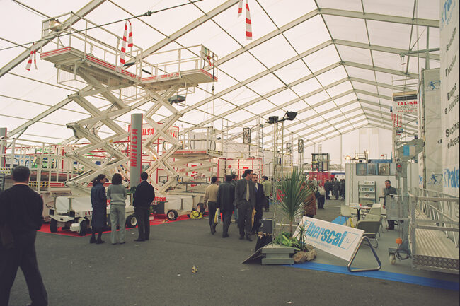 Industrial tents assembled in one day